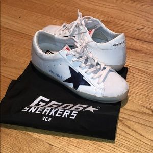 Golden Goose Navy star Superstar Sneaker